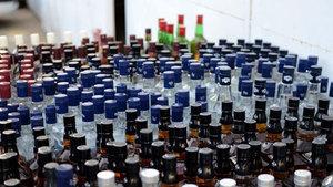 İzmir'de 139 bin litre sahte içki ele geçirildi