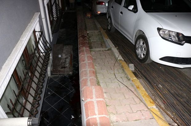 Şişli'de ayağı inşaat demirine takılan bir kişi apartman boşluğuna düştü