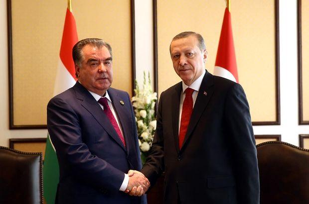 Cumhurbaşkanı Erdoğan EİT Liderler Zirvesi için Pakistan'da