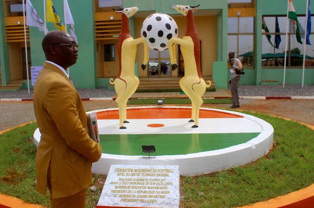 FIFA Başkanı Infantino'dan Nijer'e ziyaret