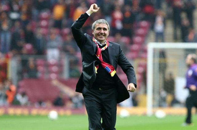 Hagi'den Fenerbahçelileri kızdıracak Emre açıklaması