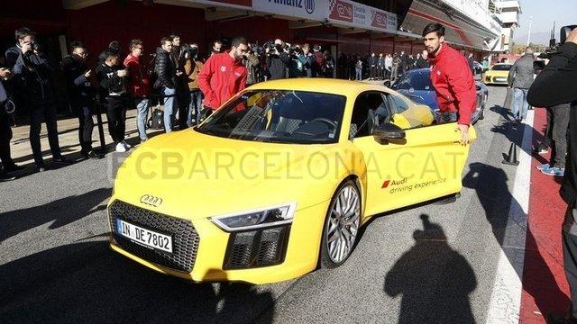 Futbolcuların otomobilleri (yıldız futbolcuların arabaları)