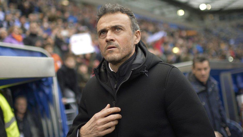 Luis Enrique Barcelona istifa ayrılıyor