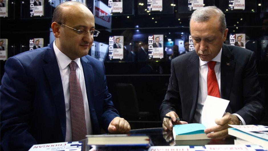 Yalçın Akdoğan Cumhurbaşkanı Recep Tayyip Erdoğan