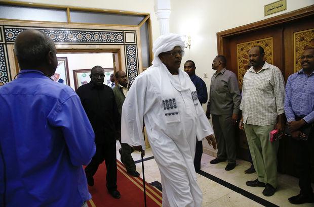Sudan'da 28 yıl sonra başbakan atandı