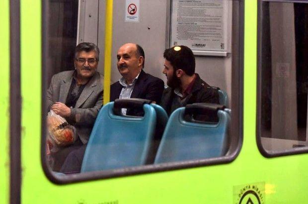 Mehmet Müezzinoğlu makam aracından inip metroya bindi
