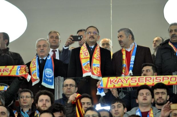 Bakan Mehmet Özhaseki'den Kayserispor - Fenerbahçe maçının hakemine tepki