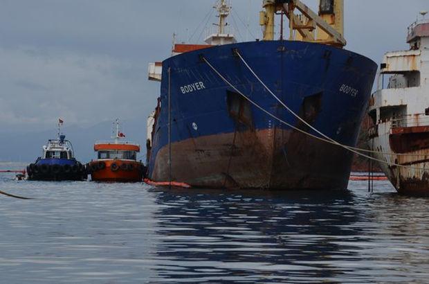 İzmir'de hacizli gemiden litrelerce akaryakıt sızdı!