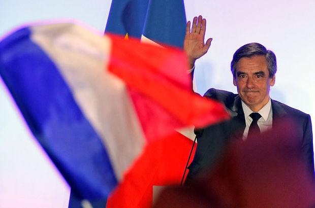 Fransa'da Cumhurbaşkanı adayı François Fillon'un evine polis baskını!