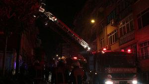 İstanbul Kadıköy'de 6 katlı apartmanda yangın