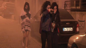 Beşiktaş'ta yeraltı elektrik kablolarının yanması öğrenci yurdunda panik yarattı