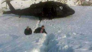 Başbakan Yıldırım'ın helikopteri sis nedeniyle araziye indi