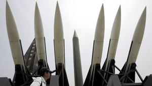 Kuzey Kore dört roket birden fırlattı