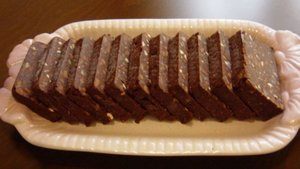Bitter çikolatalı bisküvili pasta tarifi