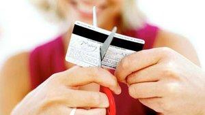 Kredi kartı borçluları 95 bin 761 kişi oldu