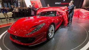 Cenevre'deki otomobil fuarına Ferrari 812 Superfast damgasını vurdu