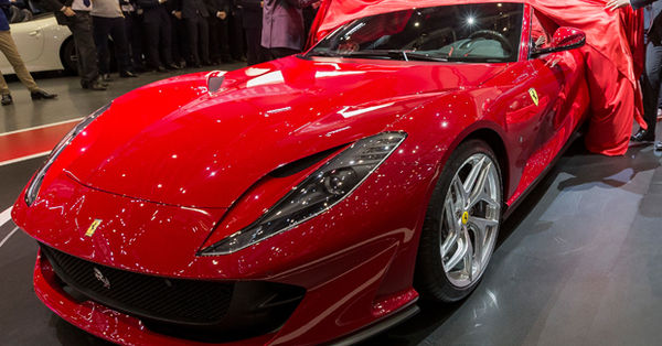 Ferrari'nin yeni canavarı! İki Türk siparişi verdi!