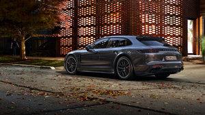 Porsche Cenevre'de iki yeni modelini tanıttı