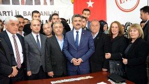 Kilis'te CHP'den istifa eden 40 kişi AK Parti'ye üye oldu
