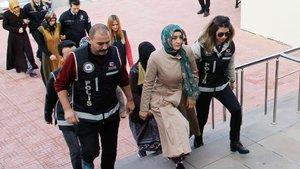 Bodrum'da FETÖ ablası engelli çocuğu için serbest bırakıldı
