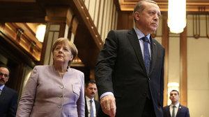 Cuhmurbaşkanı Erdoğan'dan Angela Merkel'e: Sana yazıklar olsun!