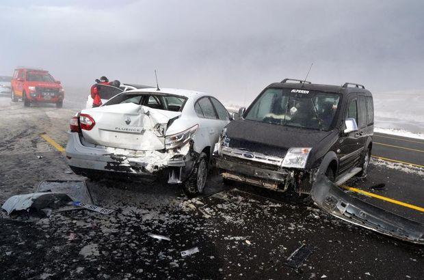 6 araç birbirine girdi! 15 yaralı