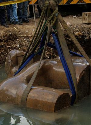 Mısır'da bulunan firavun heykeli için flaş iddia!