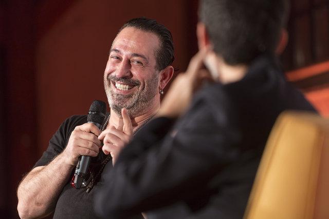 Erhan Yazıcıoğlu'ndan Cem Yılmaz'ın peruk eleştirisine yanıt