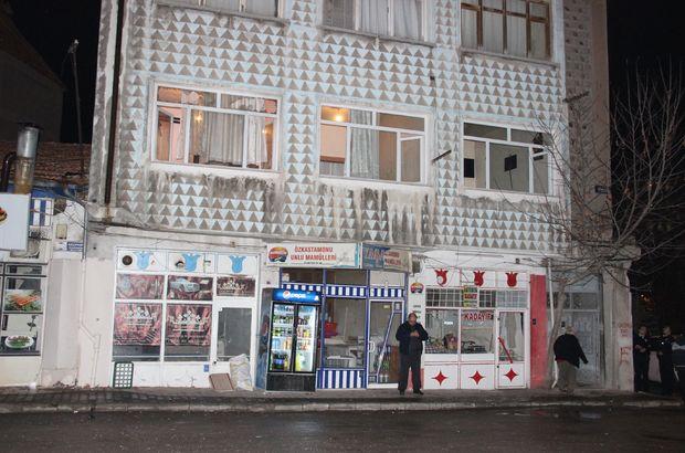 Karaman'da benzin dökülen soba patladı: 3 yaralı