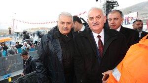 Başbakan Yıldırım İzmir'de benzeriyle buluştu