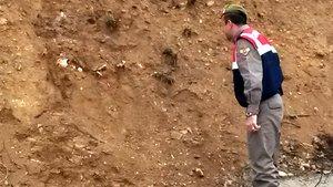 Bisikletle gezen 2 çocuk, yol kenarında insan iskeleti buldu