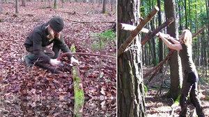 Ormanda sıfırdan kulübe yaptı