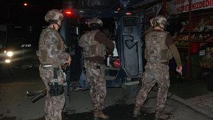 Sultangazi'de çeşitli adreslere operasyon düzenledi