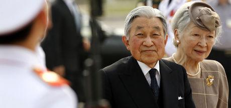 Japonya'da İmparator Akihito'nun oğlu için yasa teklifi