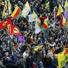 TERÖR ÖRGÜTÜ PKK, ALMANYA'NIN GÖBEĞİNDE ŞOV YAPTI