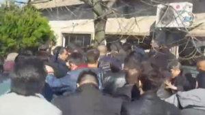 Meral Akşener'in toplantısına saldırı