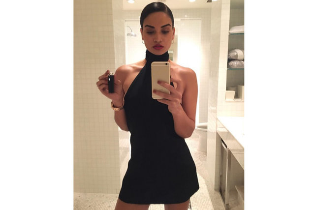 Shanina Shaik yine Instagram'ı salladı