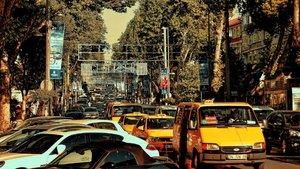 Bağdat Caddesi'nde boş dükkanlar dolmaya başladı