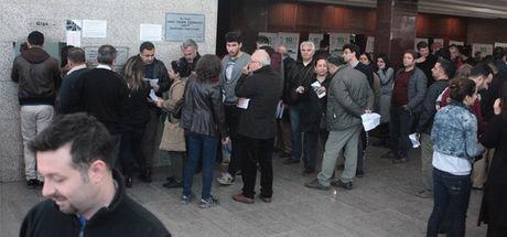 Devlet Tiyatroları Adana Tiyatro Festivali bileti alabilmek için 18 saat beklediler