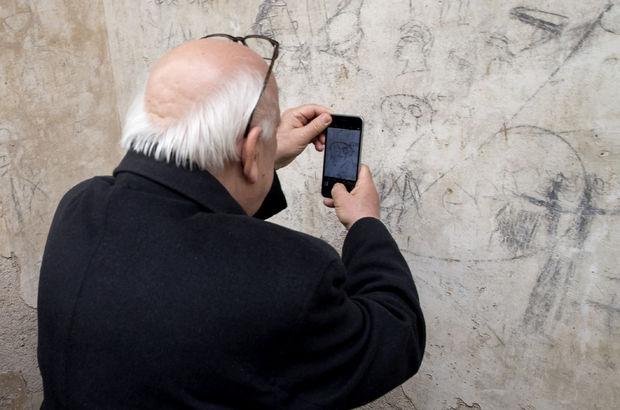 Bakan Avcı duvardaki resmi kendine benzetince...