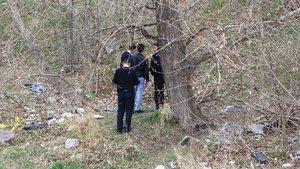Ankara'da kendini ağaca asarak intihara kalkışan genci vatandaşlar kurtardı