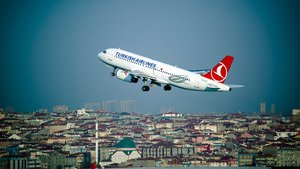 Yolcu hastalanınca THY uçağı acil iniş yaptı