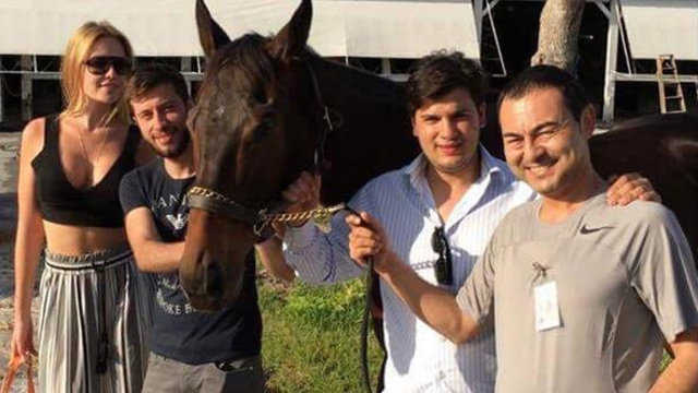 Serdar Ortaç'ın yarış atı sevinci