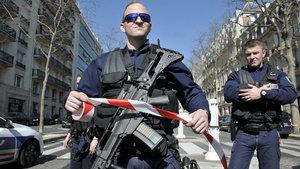 Fransa'nın başkenti Paris'te güvenlik alarmı verildi