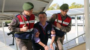 Antalya'da eşini keserle öldüren adam cezaevinde intihar etti