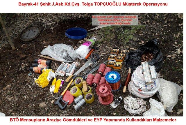 Diyarbakır Lice'de PKK sığınağından ısıya duyarlı füze çıktı
