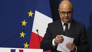 Fransa'da hakkında yolsuzluk idiası ortaya atılan İçişleri Bakanı istifa etti