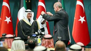 Cumhurbaşkanı Erdoğan, Kuveyt Emirine Devlet Nişanı takdim etti