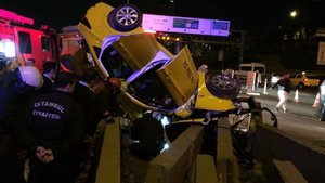 İstanbul Kadıköy'de trafik kazası: 1 ölü, 2 yaralı