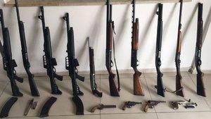 İzmir'de otel bodrumunda silah ele geçirildi